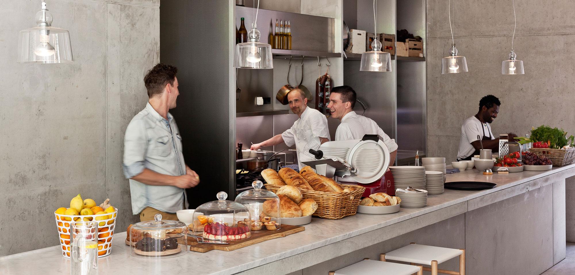 Kantine Tresen und Küche